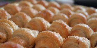 Cornetti di sfoglia con nutella fatta in casa