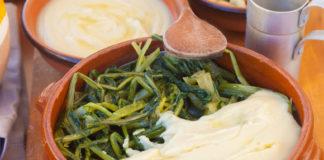 La dolcezza delle fave incontra le note amarognole della cicoria nella 'ncapriata pugliese, umile e antichissimo purè di legumi essiccati servito con erbe di campo lesse. (http://mangiarebuono.it)