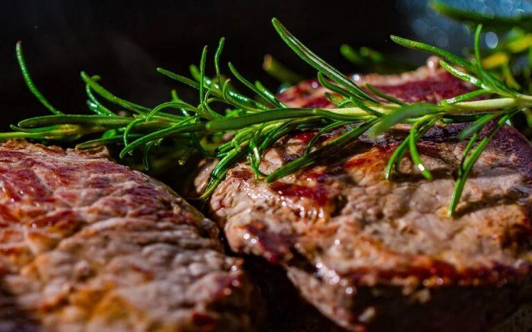 Grigliata di carne: i migliori tagli e cosa non deve mai mancare