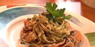 Spaghetti con gamberi e pesto di olive taggiasche
