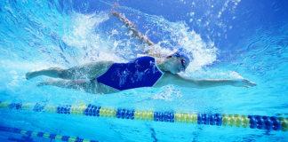 Nuoto e alimentazione: tutto ciò che devi sapere se sei appassionato di sport acquatici