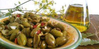 Hai mai gustato le olive schiacciate alla calabrese? Ecco i segreti per una conservazione perfetta