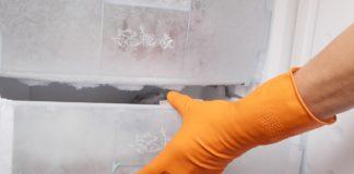 Scopri i segreti per togliere il fastidioso ghiaccio dal freezer in maniera semplice e veloce.