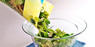 Consumare insalata in busta aumenta il rischio di intossicazione? No, se segui questi consigli