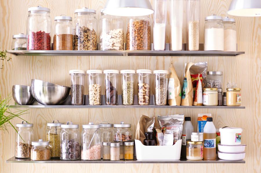 Contenitori di plastica Vs contenitori in vetro: scopri qual ...