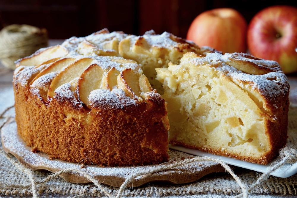 Torta di mele senza latte e burro, perfetta per intolleranti