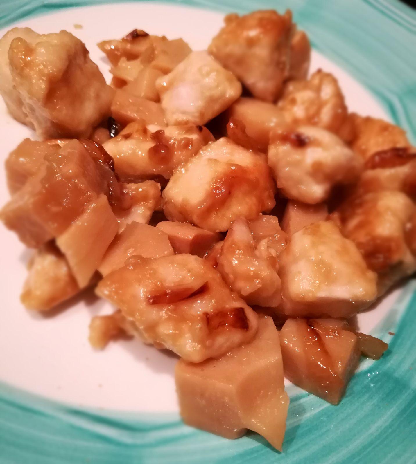 Pollo alle mandorle e bambù, sapori d\'oriente nella tua cucina!