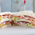 Come preparare un club sandwich