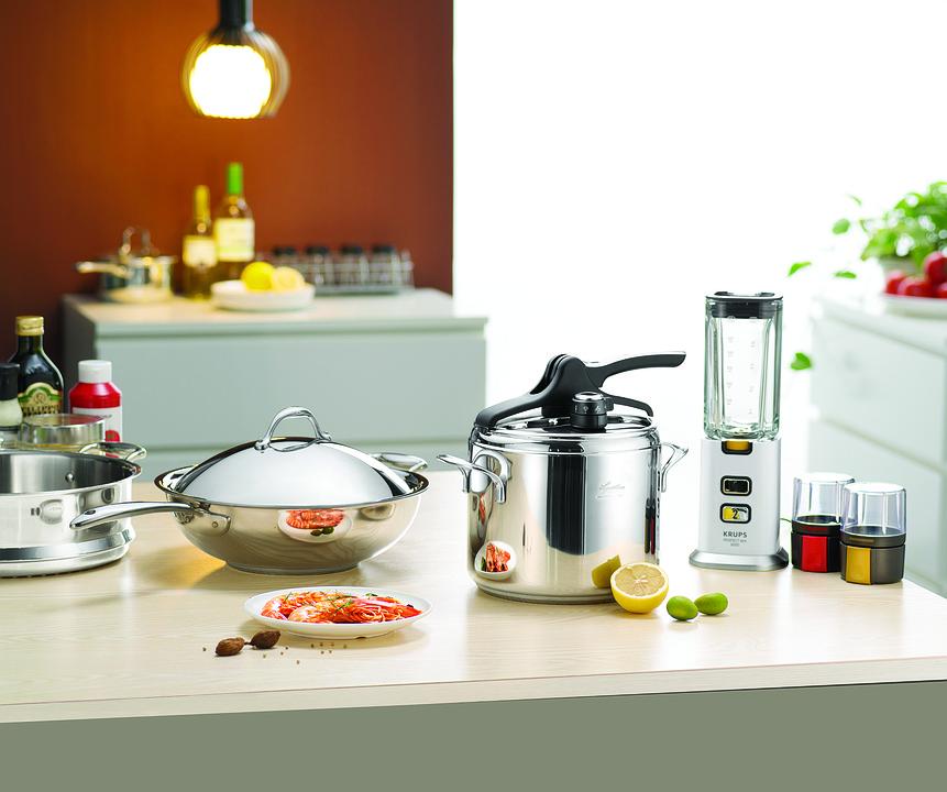 Indispensabili in cucina: ecco gli utensili che non possono ...