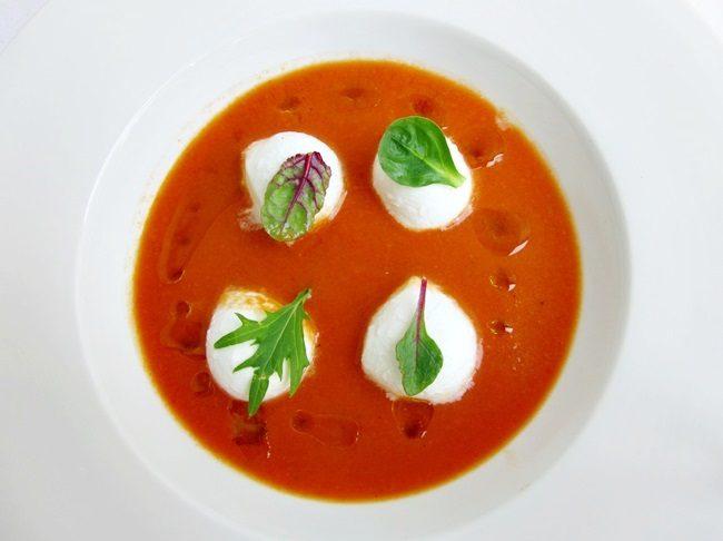 gazpacho di mozzarella di bufala