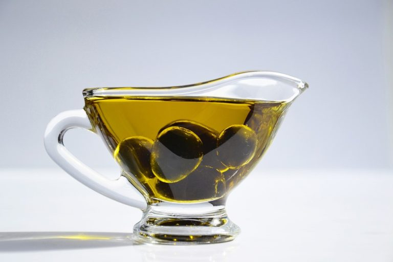 Le cinque verità nascoste sull'olio extravergine
