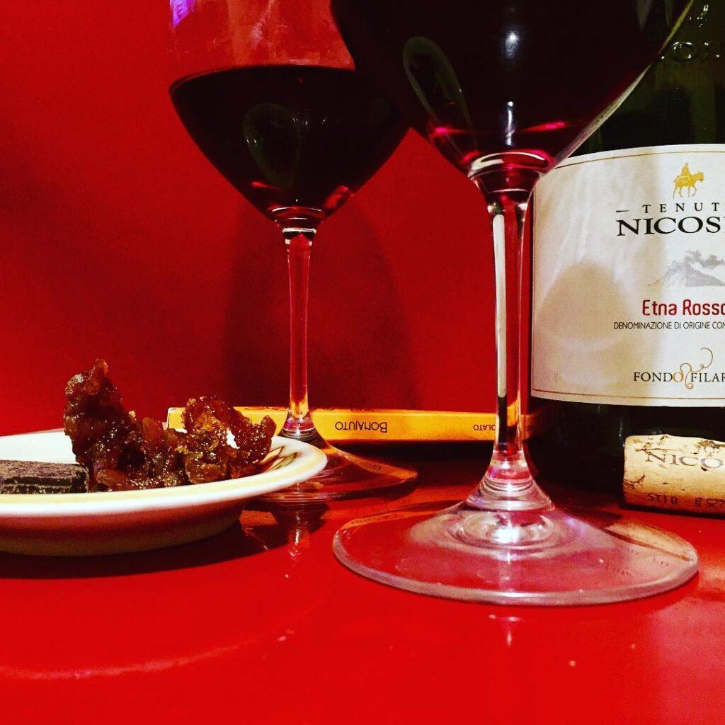etna rosso doc, uno dei miei vini preferiti da bere alla giusta temperatura in estate
