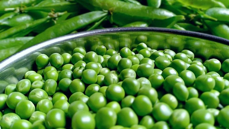Piselli al forno: una verdura preziosa, petit pois in tavola