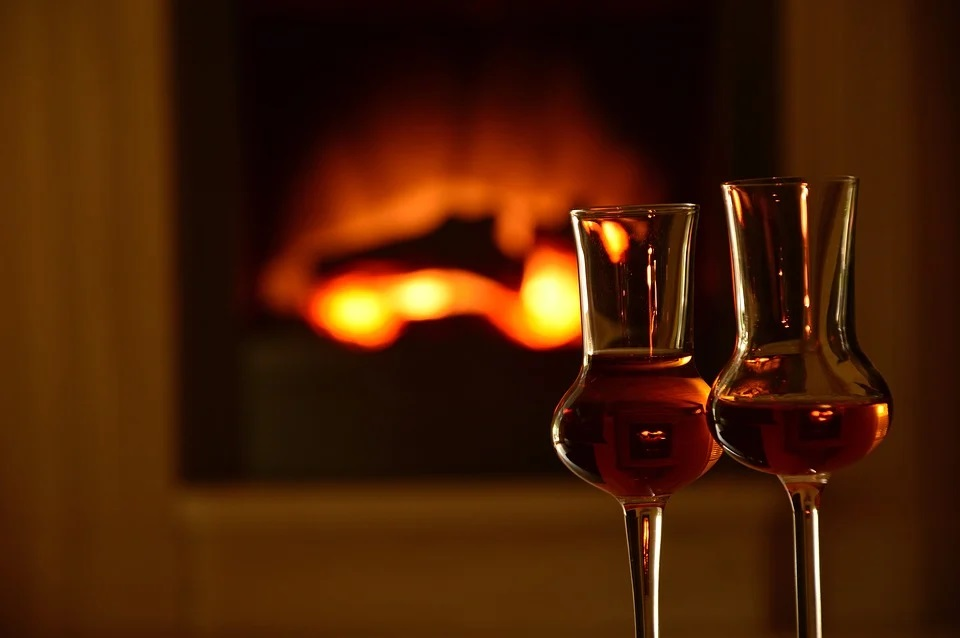 Non solo arte, ma anche vini pregiati e whisky da collezione. Aste da capogiro e beni rifiugio alternativi che resistono alla crisi